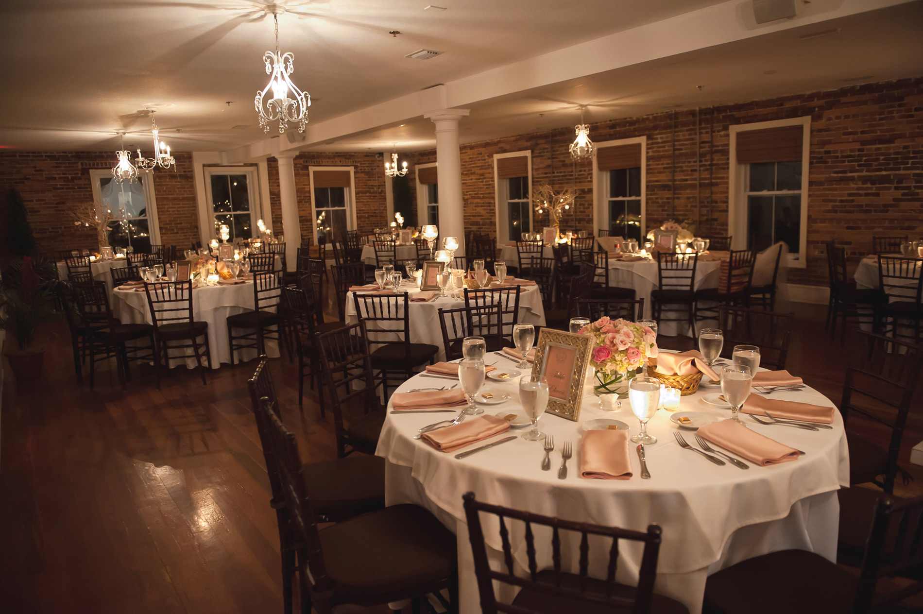 The white room l st augustine wedding venue for Places for wedding receptions