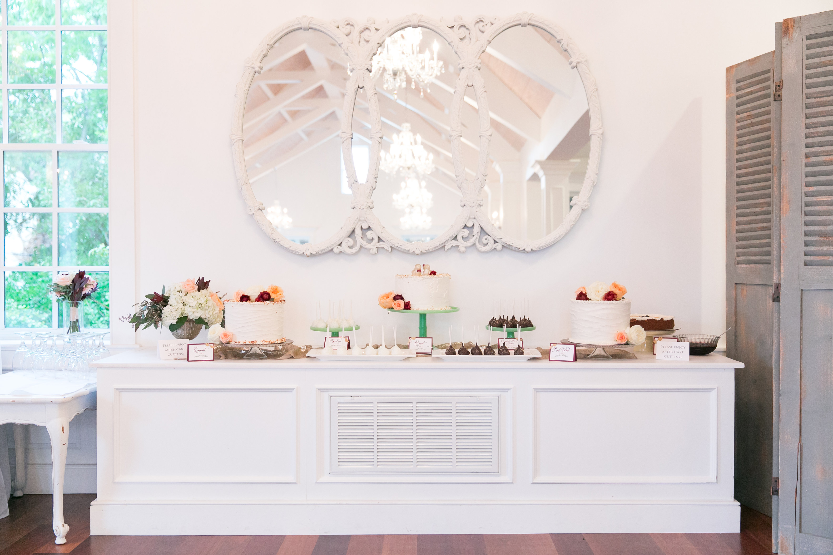 St-Augustine-Wedding-Villa-Blanca-White-Room-Cake-Display