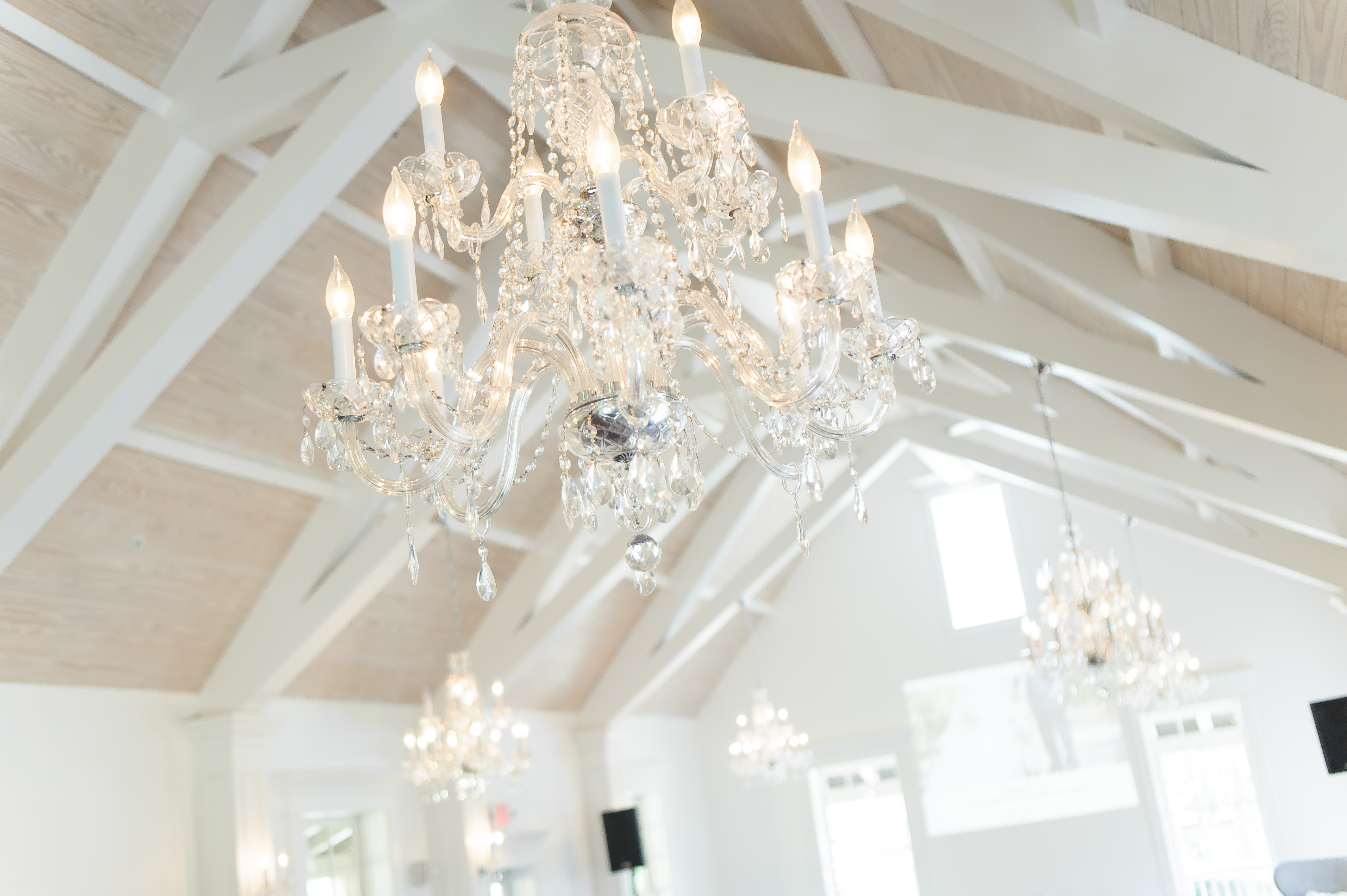 st-augustine-corporate-meeting-event-venue-white-room-villa-blanca-chandeliers