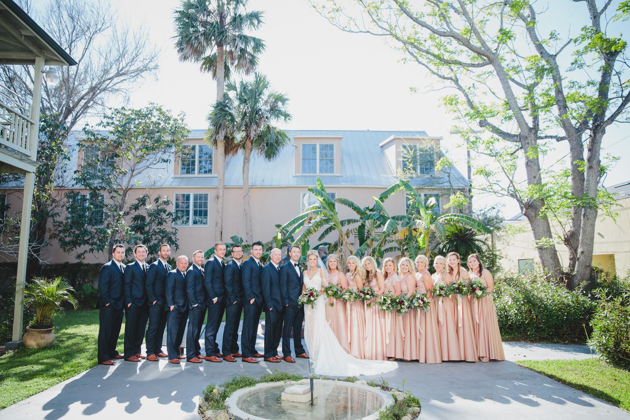 st-augustine-florida-wedding-venue-white-room-bridal-party