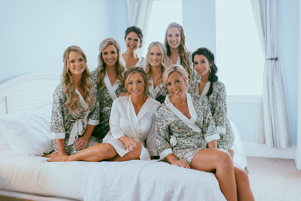 bridal-party-getting-ready-st-augustine-florida-white-room