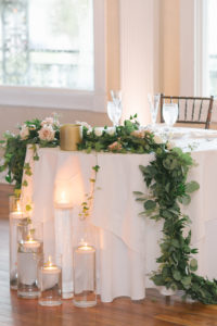 white-room-st-augustine-florida-florals-sweetheart-table