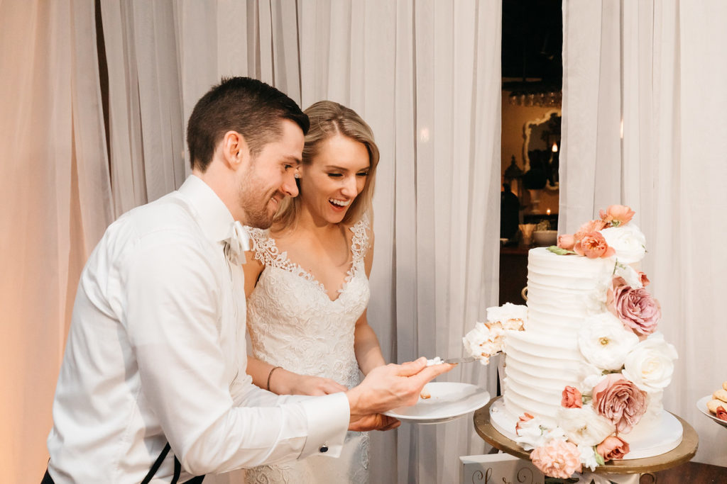 the-white-room-wedding-venue-cake-cutting