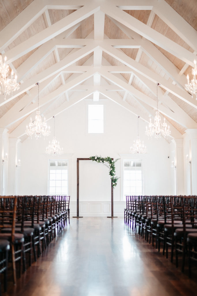 villa-blanca-wedding-arch-flowers