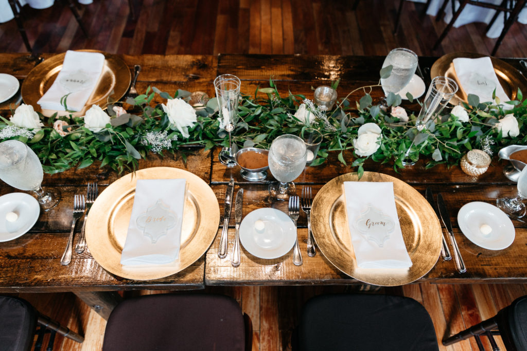 wedding-tablescape-garland-marble-and-pine-florida