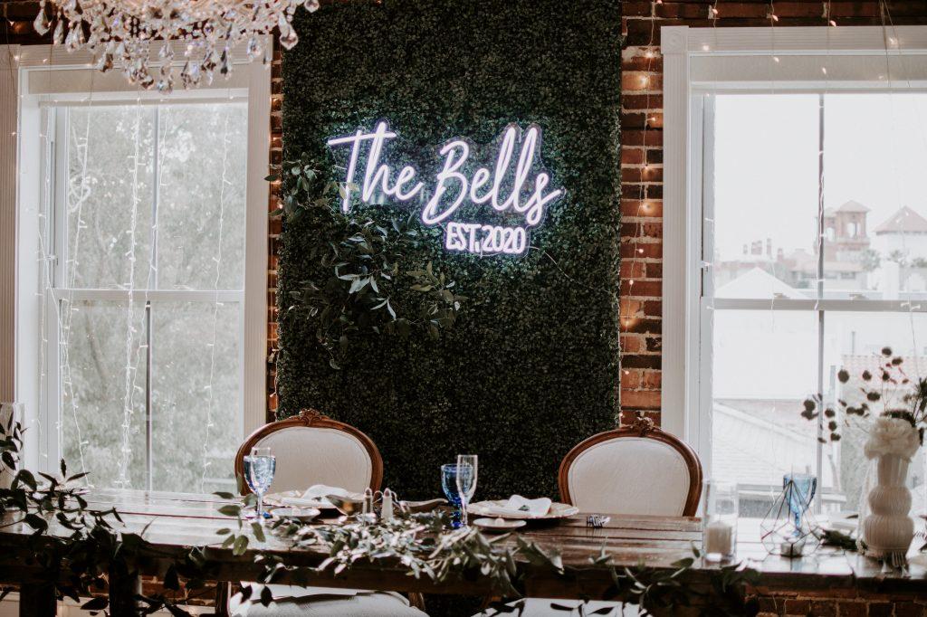 florida-wedding-sweetheart-table.jpg