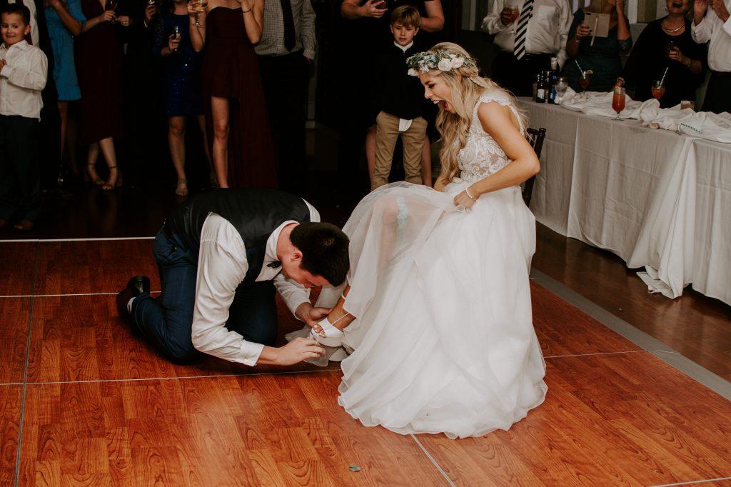 wedding-garter-toss.jpg