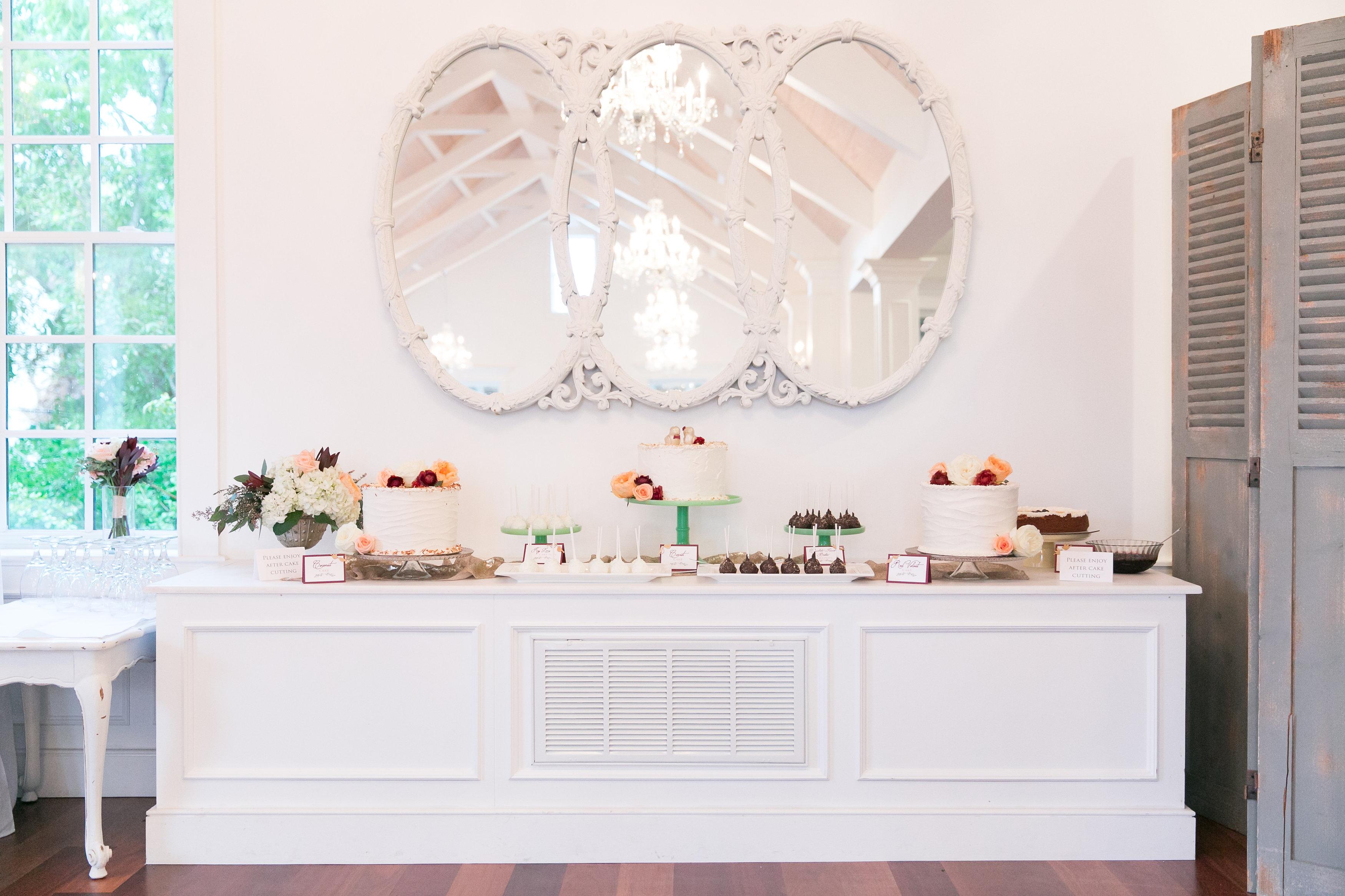St-Augustine-Wedding-Villa-Blanca-White-Room-Cake-Display