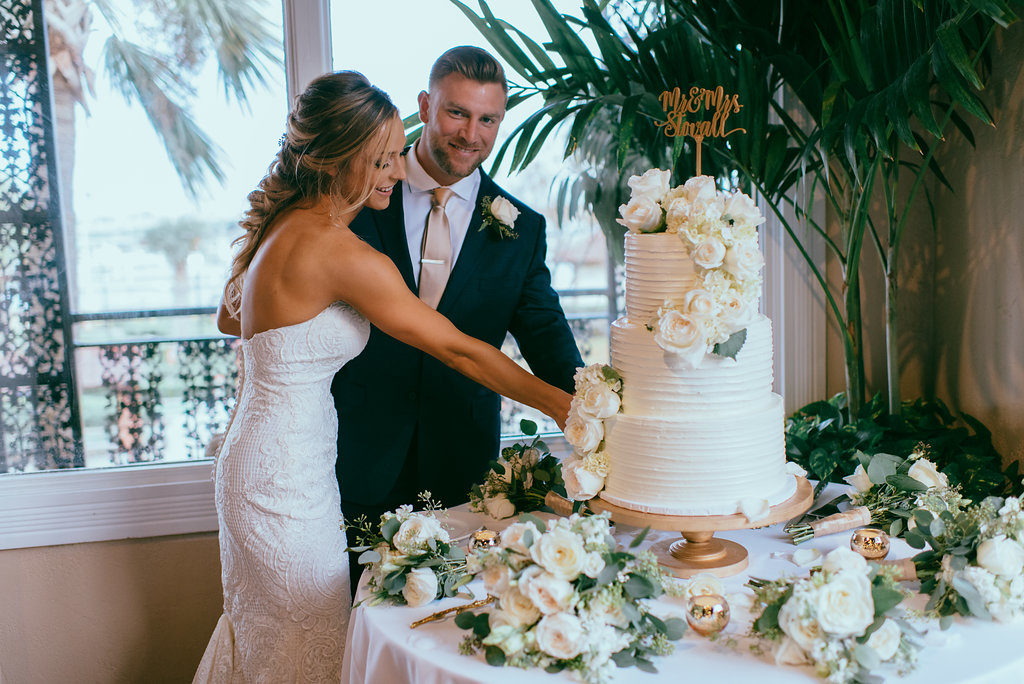 white-room-grand-ballroom-cake-st-augustine-florida