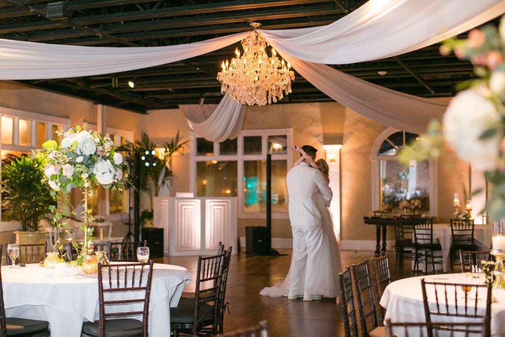 grand-ballroom-white-room-wedding-last-dance