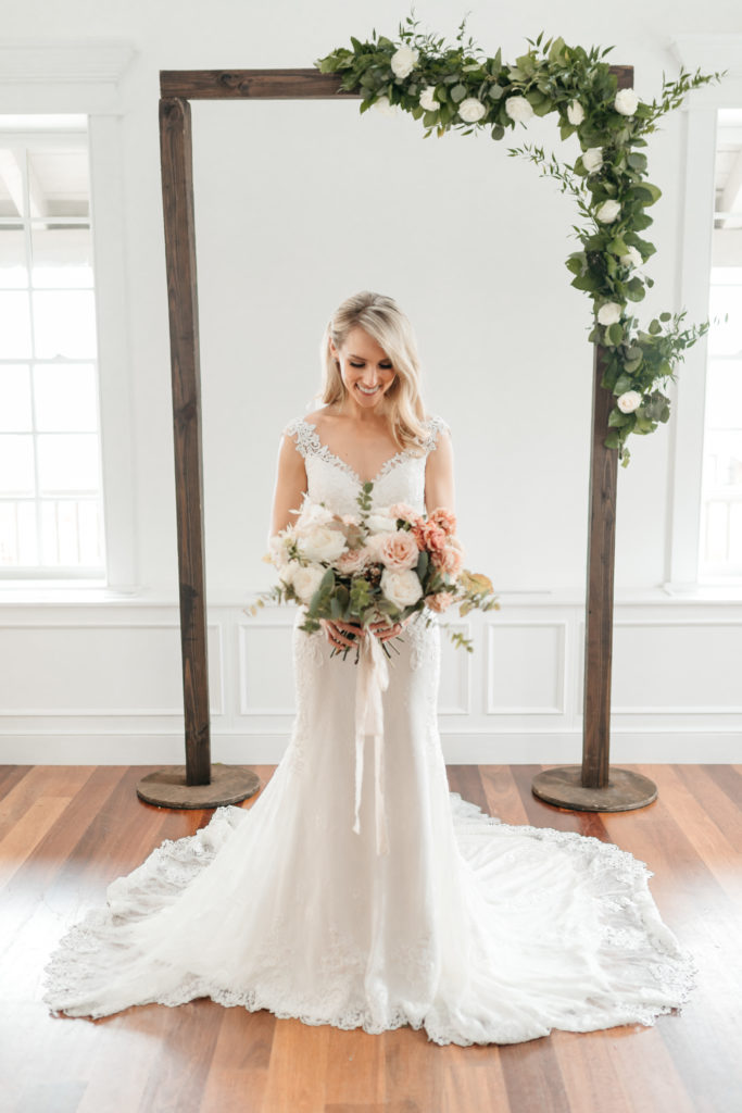 bride-villa-blanca-the-white-room-bridal-photos