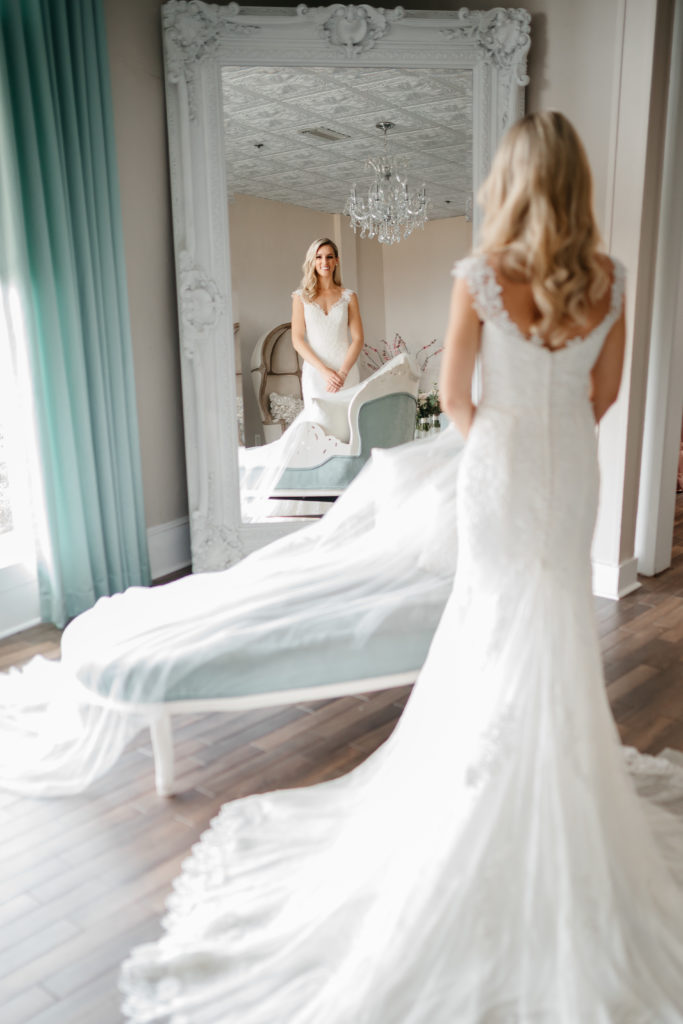 the-white-room-bride-bridal-suite