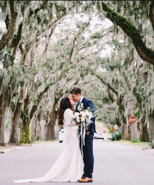 st-augustine-weddings-white-room-historic-street