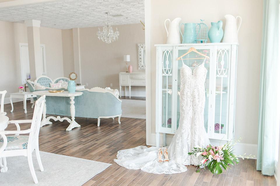 white-room-wedding-suite