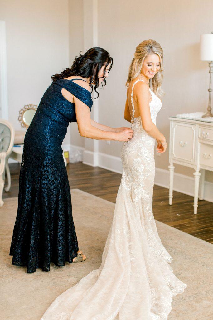 white-room-bridal-suite-bride